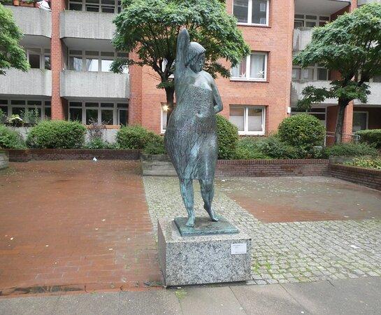 Statue ''morgenstunde''