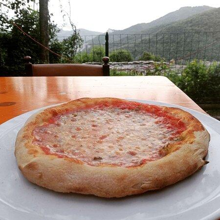 Caprauna, Italia: yes Pizza !!!