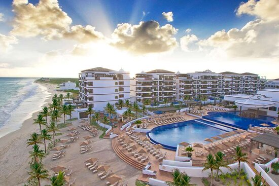 Grand Residences Riviera Cancun, a Registry Collection Hotel