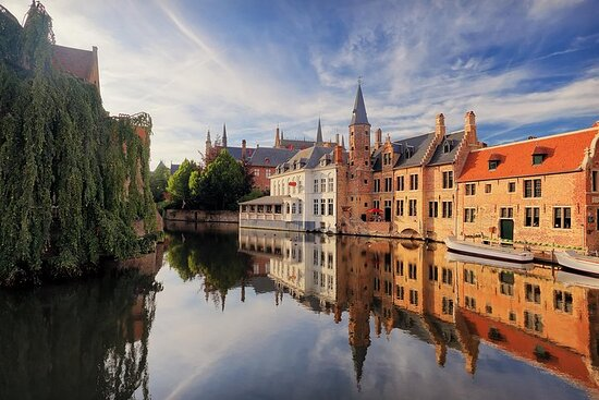 Bruges Day Trip from Brussels with a Local Guide: Private...