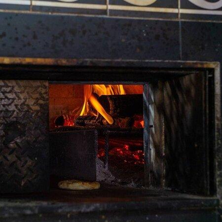 Пекельна кухня — це не назва реаліті шоу. Це наші кухарі настільки захоплено готують, що спекотно стає не лише на кухні, а й у ваших серцях, коли ви куштуєте наші гарячі страви.  📲093 000 22 02 📍Бессарабська площа 2  #киев #ресторан #kiev