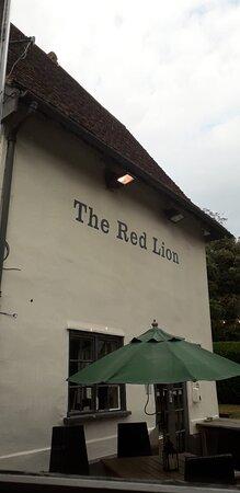 Martlesham, UK: red lion