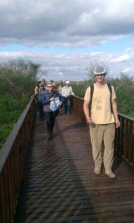 Carlos Pellegrini, الأرجنتين: Esta es la foto de Nelson Emmanuel Maz nuestro guía intérprete guiando a los pasajeros de iberá full. Iberá full cuenta con excursiones exclusivas en el parque provincial. También realizamos excursiones en el parque nacional. Iberáfull@hotmail.com 03773 1552 9979