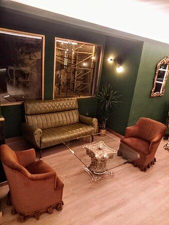 La zona VENENO dedicada a Lounge Bar