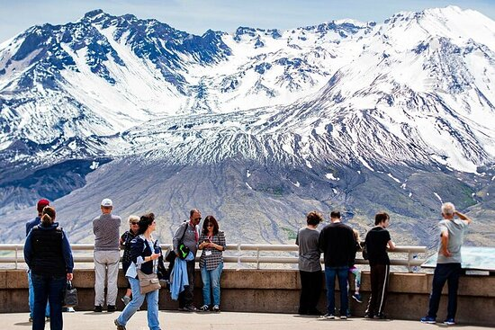 Explore Mt Saint Helen from Seattle in a small group