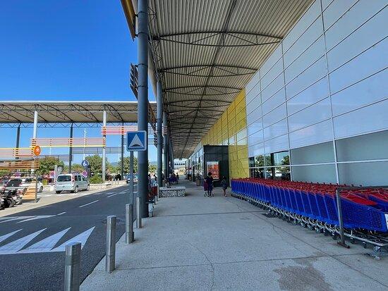 Centre Commercial Du Soleil Levant