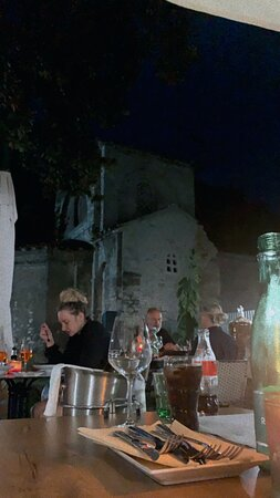 THE BEST FOOD IN PULA!!