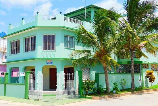 Boca de Camarioca, Cuba: fachada Hostal Retiro Sensat