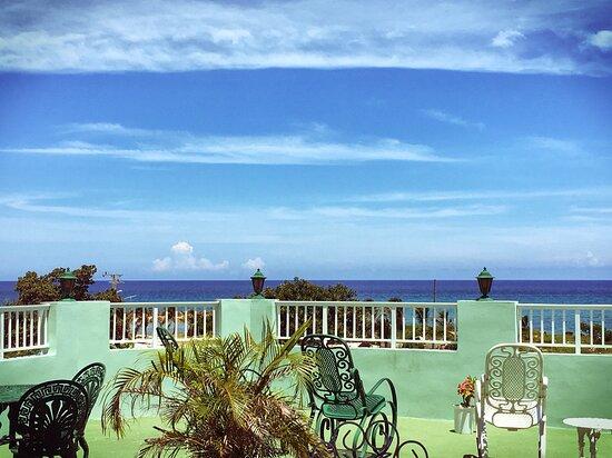 Boca de Camarioca, Cuba: vista desde terra a Hostal Retiro Sensat