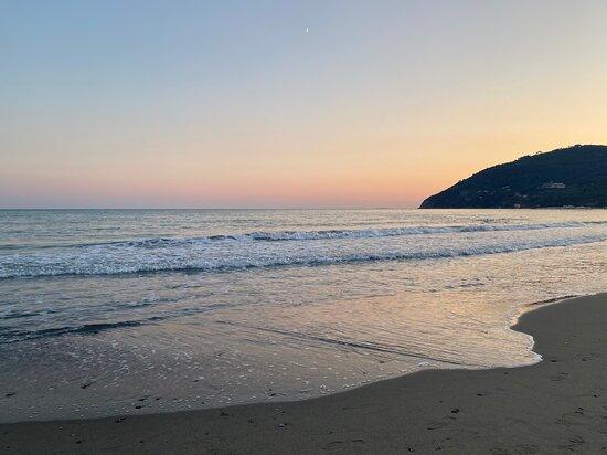 Marinella di Sarzana, Italy: l'estate sta finendo … no dai 😅