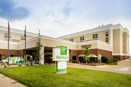 The Holiday Inn Dubuque / Galena Hotel is located downtown Dubuque
