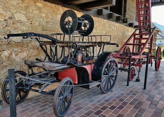 Kumrovec, Croatia: 1889 Firetruck with pump.