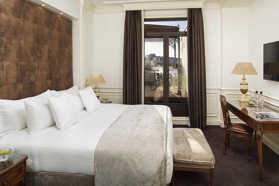AGran Melia Fenix Penthouse Suite Bedroom