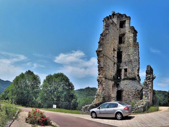 Chateau (restes du) haut < Sucquet >