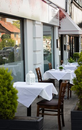 Bromley, UK: Outside dining