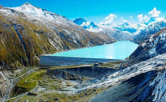 Saas-Almagell, Schweiz: Barrage de Mattmark / Mattmark Staudamm au fond de la vallée de Saas (Valais)
