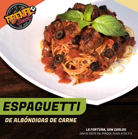 La Fortuna de San Carlos, Costa Rica: Espaguetti de albóndigas de carne. ¿Ya lo probaste? Contamos con una gran variedad de platillos. ¡Te esperamos!