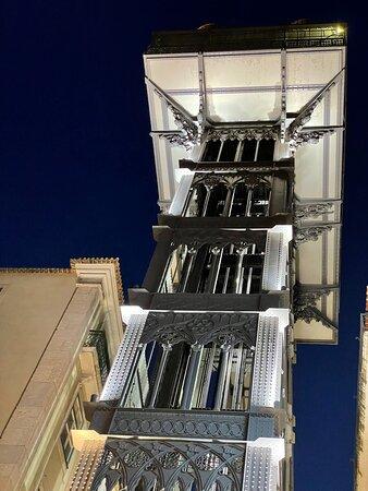 Detalle del elevador santa justa