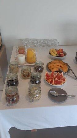Buffet petit-déjeuner (détails)