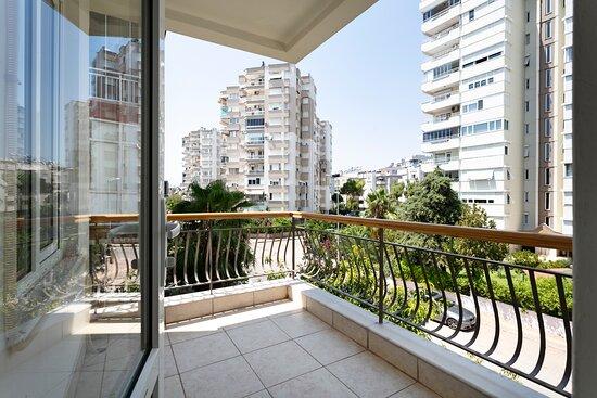 Анталья, Турция: Happy Suites Çağlayan, 2013. Sk. No:14, 07230 Muratpaşa/Antalya (+90)2423181919