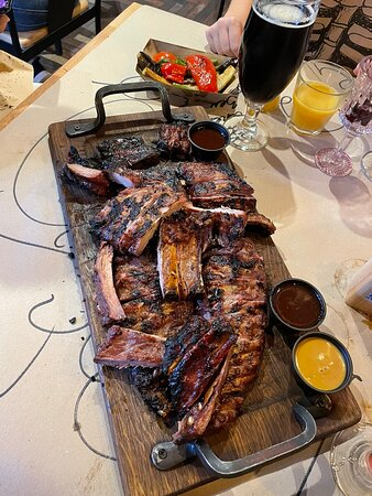 Run and try these pork ribs 😋