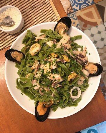 Tagliatelle verdi de frutos do mar