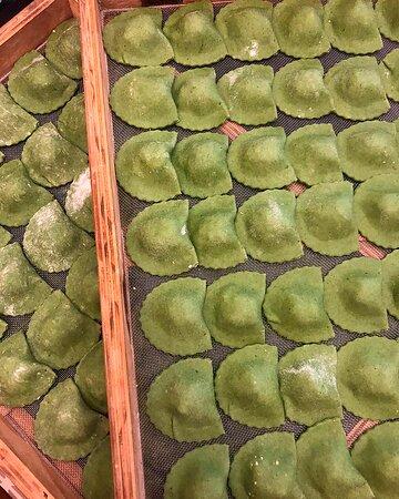 Tortelli verdi em produção