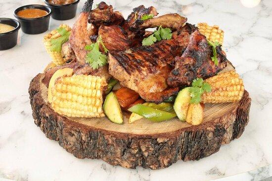 Conoce el Rowí:  -Conejo asado al grill, en salsa de manzana y Sotol, acompañado de vegetales de la temporada (para 2-3 personas).  Disponible en nuestro menú VIVIR.