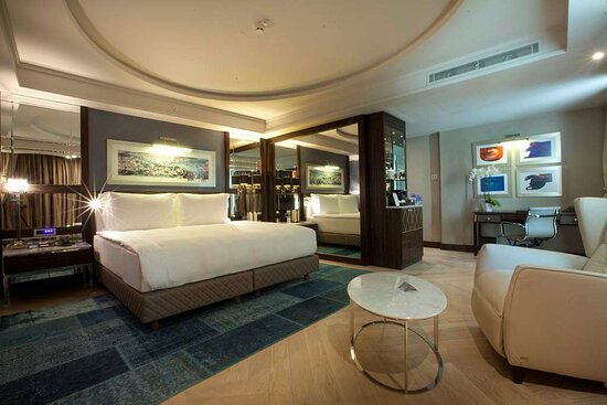 Golden Horn Panoramic Suite