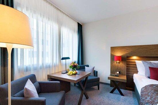 Superior & Comfort Room