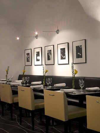 Drawing Room Restaurant