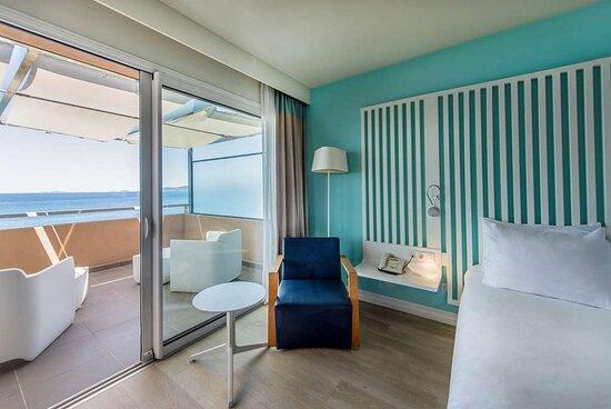 Premium room - balcony and sea view