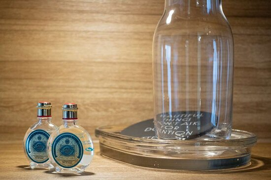 Guest room cologne
