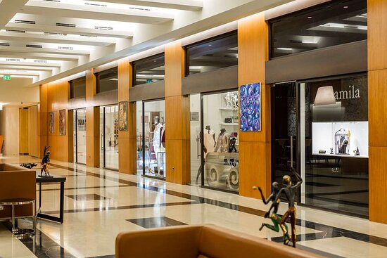 Lobby Stores