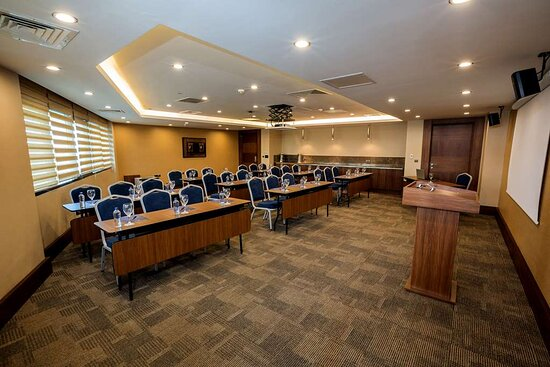 Sümer Meeting Room Classroom Style