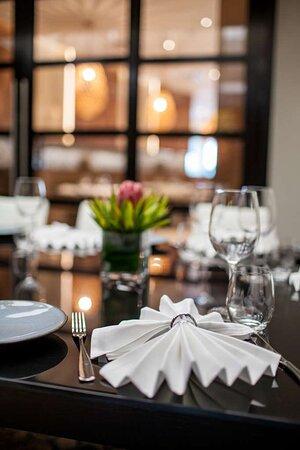 Azul Restaurant Set Table