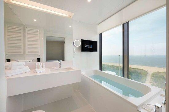 Blue Sky Suite - Sea View