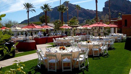 Valencia Lawn Wedding Reception Tables