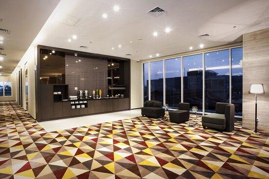 Holiday Inn Express Surabaya CenterPoint Pre-function Area