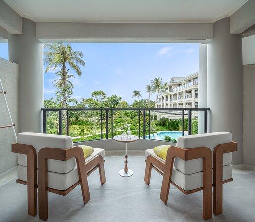 01 Deluxe Garden Balcony 1