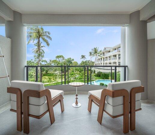 01 Deluxe Garden Balcony 2