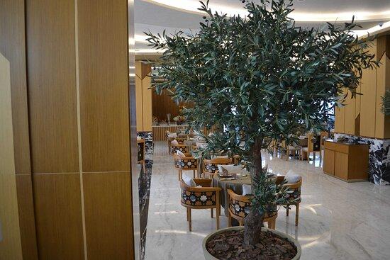 Taj Al Sharq Restaurant interior