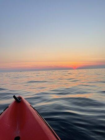 Gambar Sunset Sea Kayaking and Wine Tasting Tour Dubrovnik