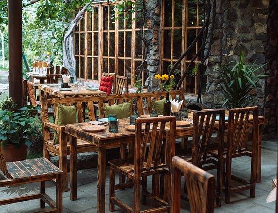 Կեղար ռեստորանում անցկացրեք ընտանեկան և ընկերական  ամենաջերմ հավաքույթները: