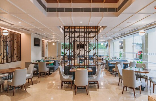 Viva Lounge and Bar- Holiday Inn Goa Candolim