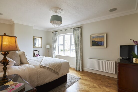 Master bedroom at our Fisherstreet Lodge