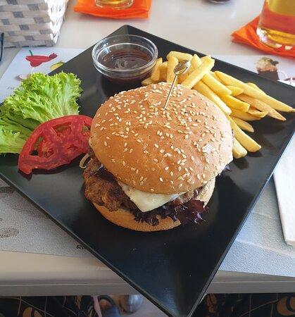 Alt fra Burger,Pizza til nydelig sjømat på Agrilia