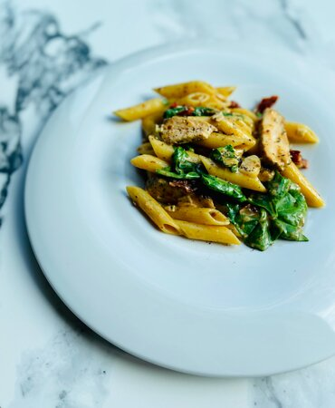 penne, chicken, spinach, dry tomatoes