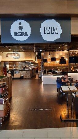 Ingången till Restaurang REPA.