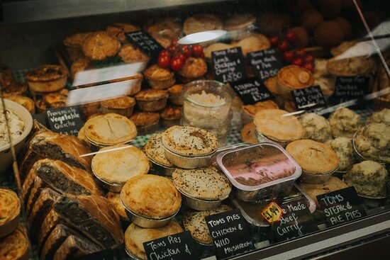 Browse the Deli and discover gorgeous local cheeses, hand-made pies and pasties and sliced cold meats fresh from our farm. We also stock a variety of speciality oils, vinegars, preserves, salads and charcuterie; choose your favourites and start planning an impromptu picnic!
